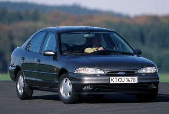 Снимки на Ford Mondeo 1 Hatchback