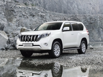 Снимки на Toyota Land Cruiser 150 Facelift 2015