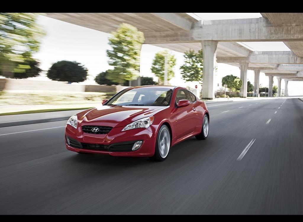 Снимки: Hyundai Genesis Coupe