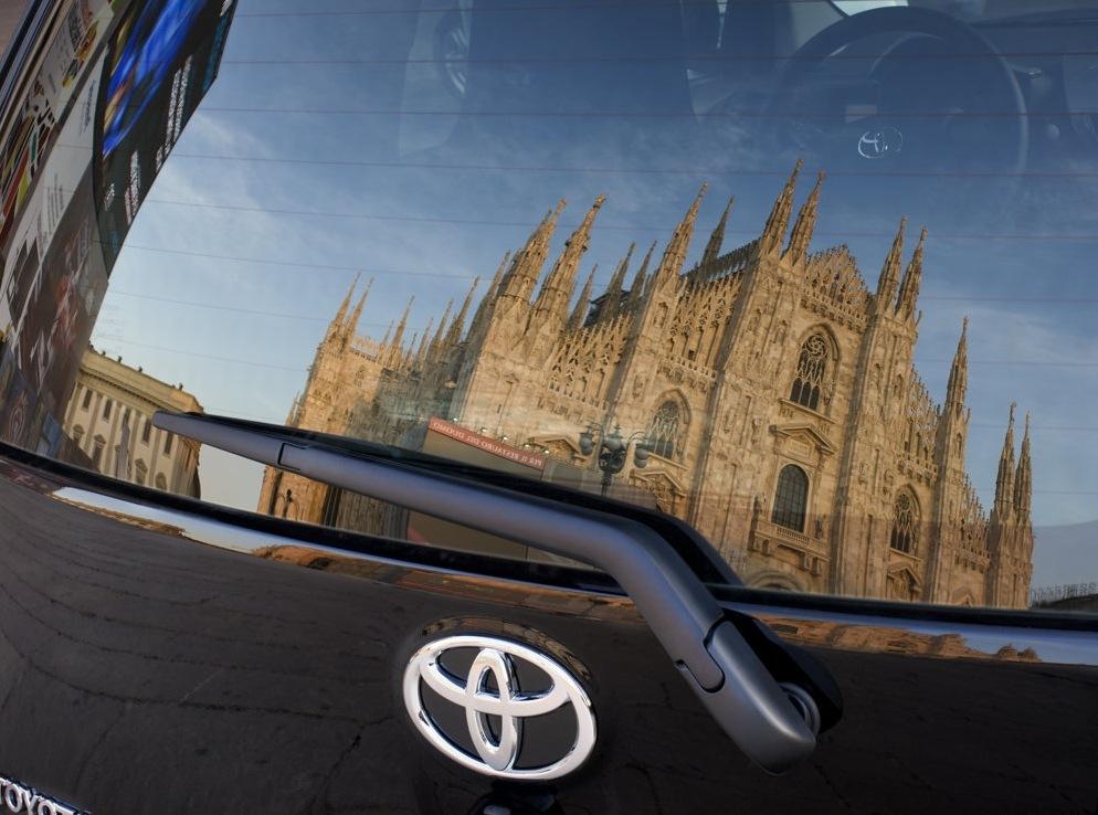 Снимки: Toyota iQ