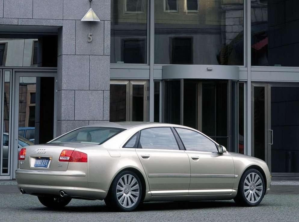 Снимки: Audi A8 Long (D3 4E)