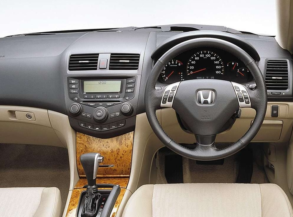 Снимки: Honda Accord 7
