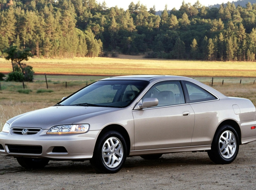 Снимки: Honda Accord 6 Coupe