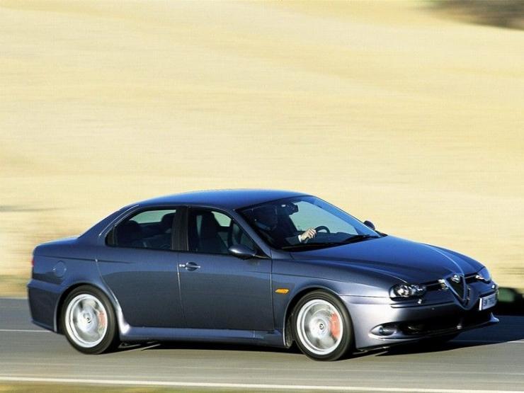 Снимки: Alfa romeo 156 GTA