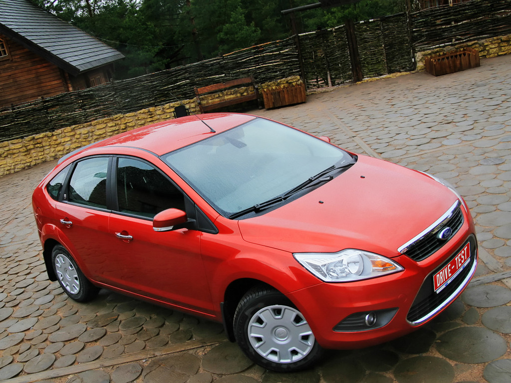 Снимки: Ford Focus Hatchback II