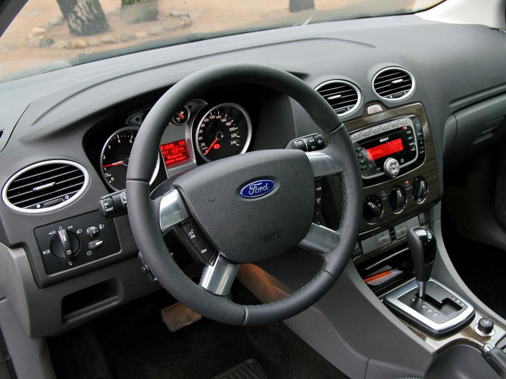 Снимки: Ford Focus Hatchback II