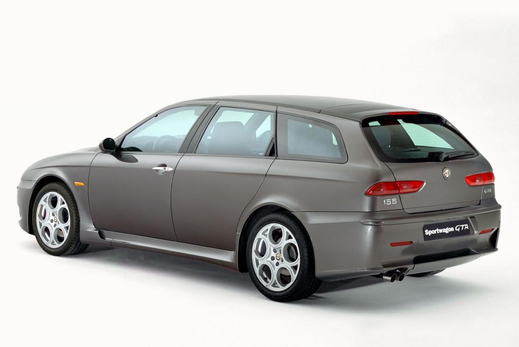 Снимки: Alfa romeo 156 GTA Sport Wagon