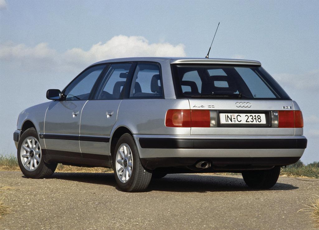 Снимки: Audi 100 Avant (44,44Q)