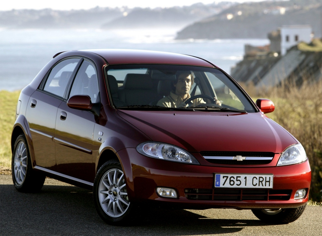 Снимки: Chevrolet Lacetti Hatchback