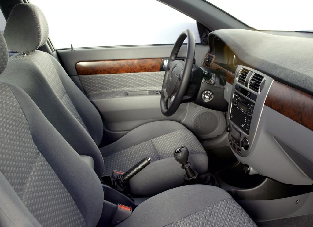 Снимки: Chevrolet Lacetti Sedan