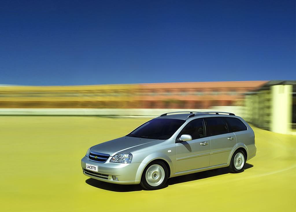 Снимки: Chevrolet Lacetti Wagon