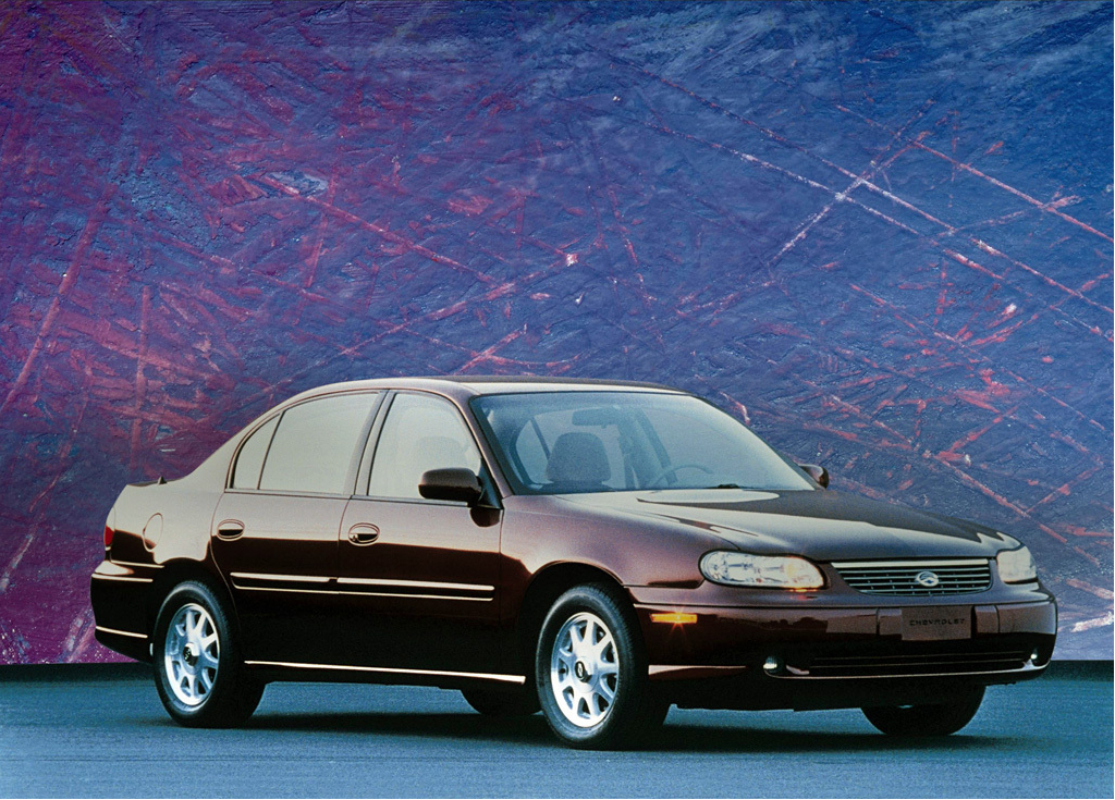 Снимки: Chevrolet Malibu VI