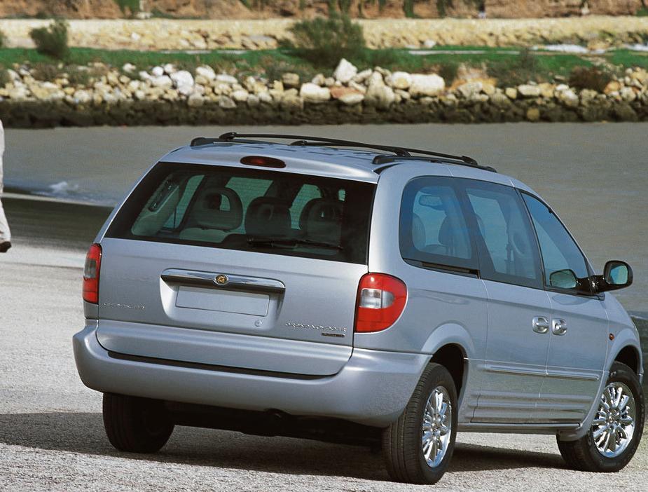 Снимки: Chrysler Grand Voyager IV