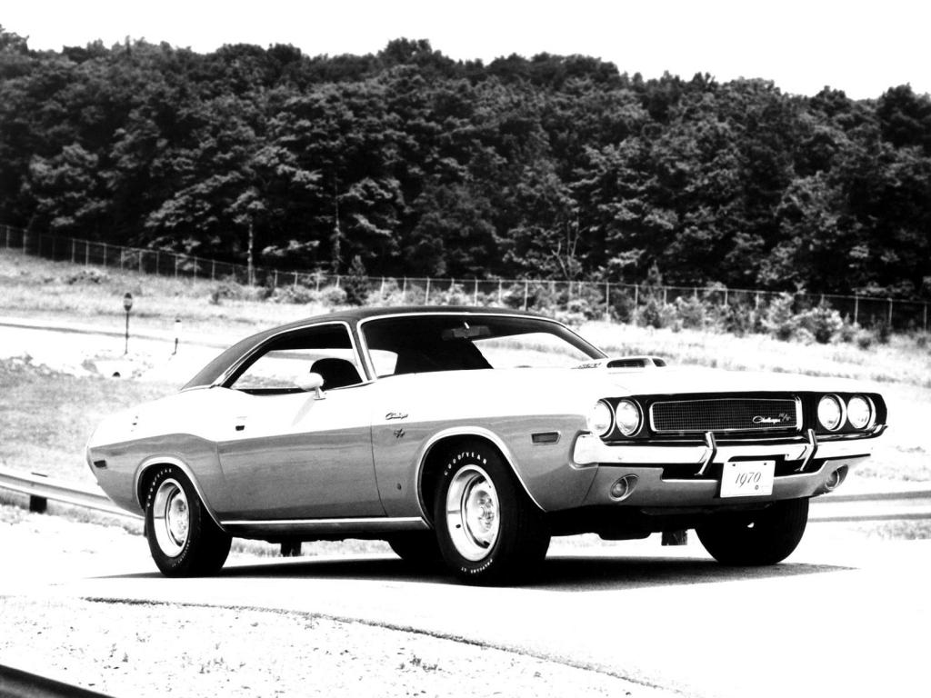 Снимки: Dodge Challenger