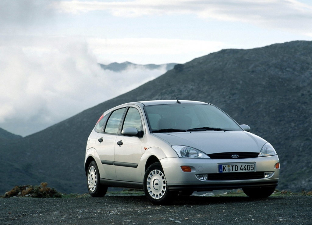 Снимки: Ford Focus Hatchback I
