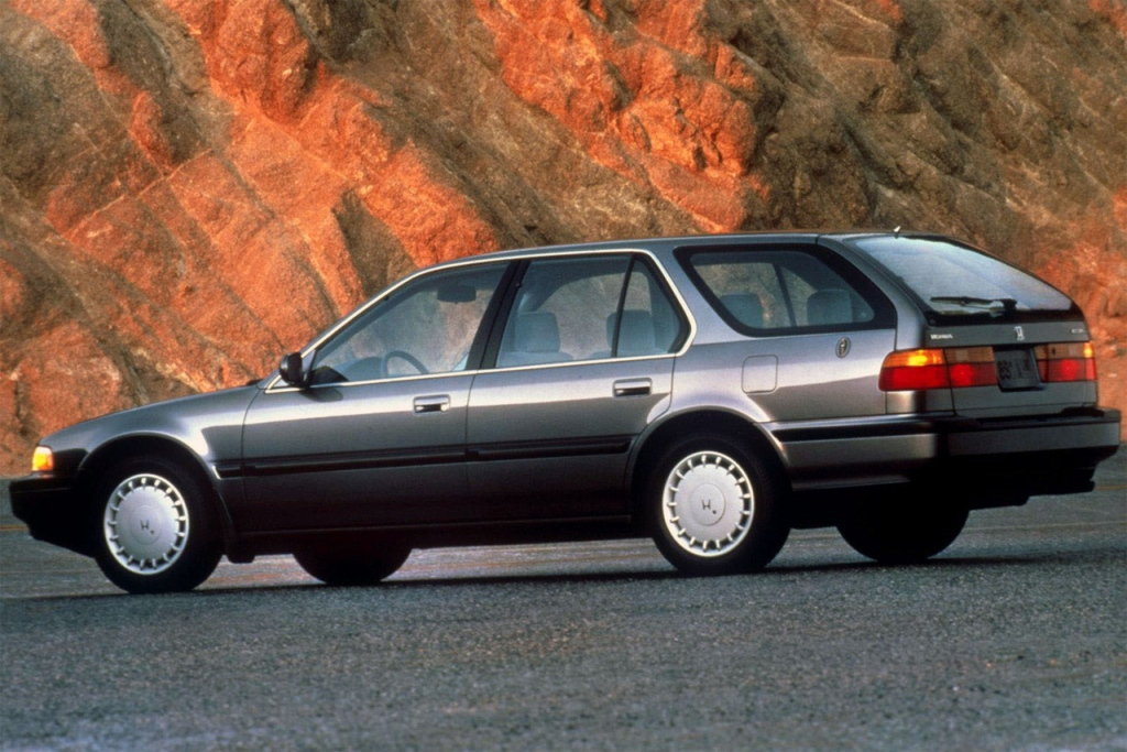 Снимки: Honda Accord IV Wagon (CB8)