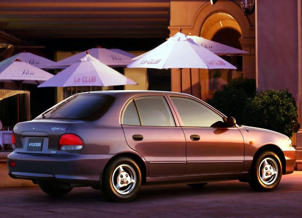 Снимки: Hyundai Accent I