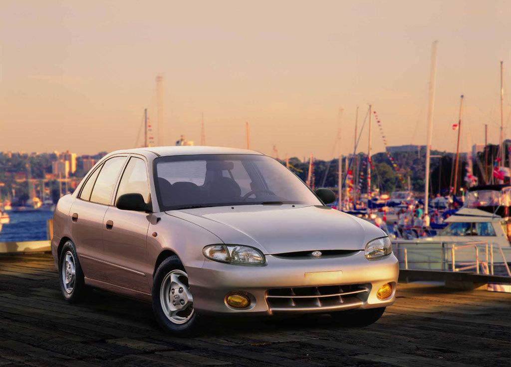 Снимки: Hyundai Accent Hatchback I