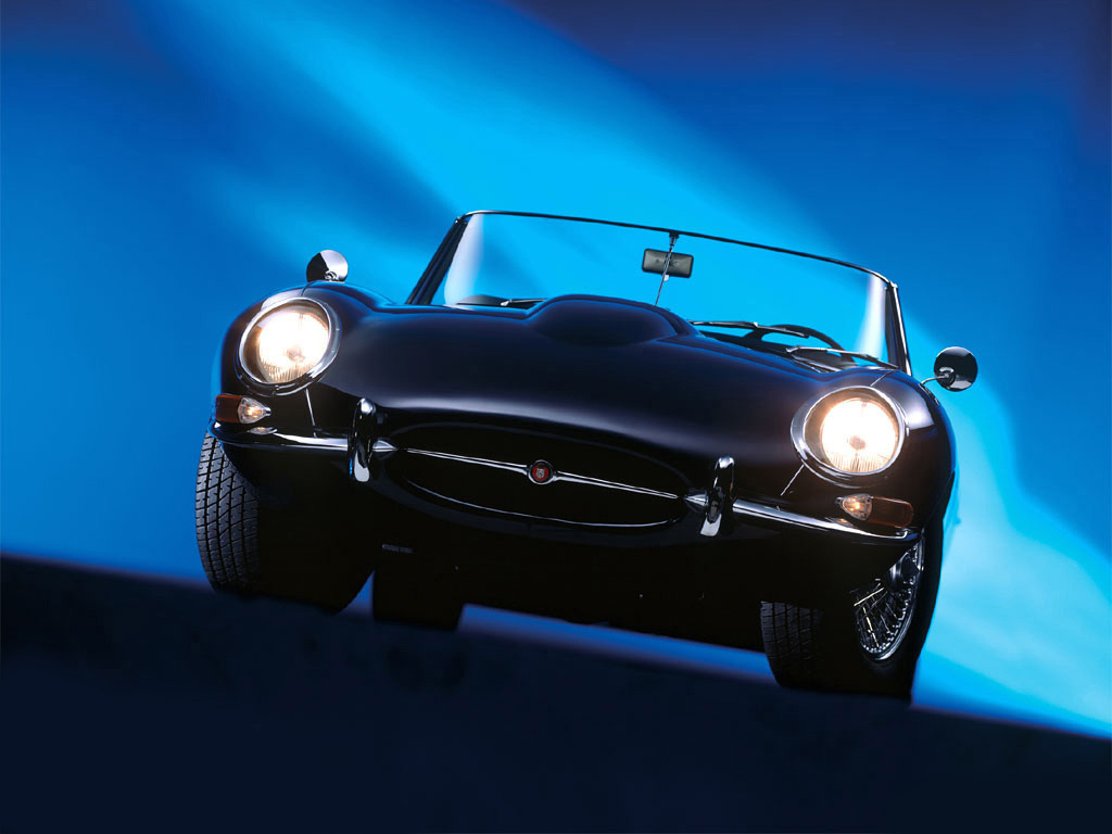 Снимки: Jaguar E-type Convertible