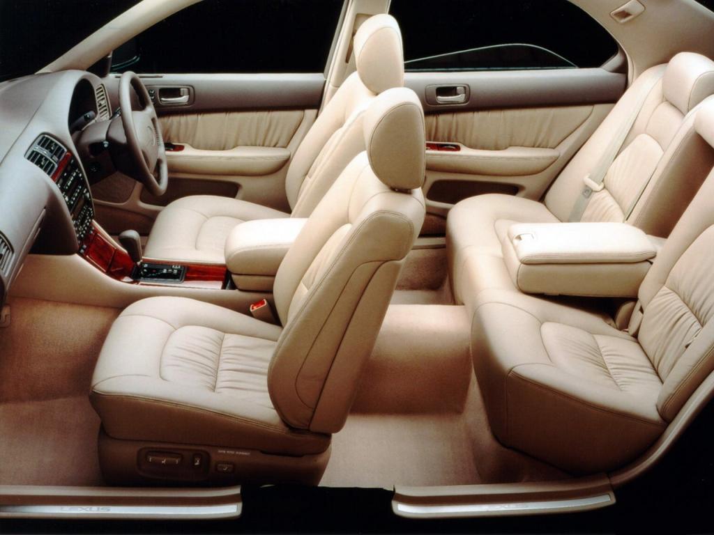 Снимки: Lexus LS 2