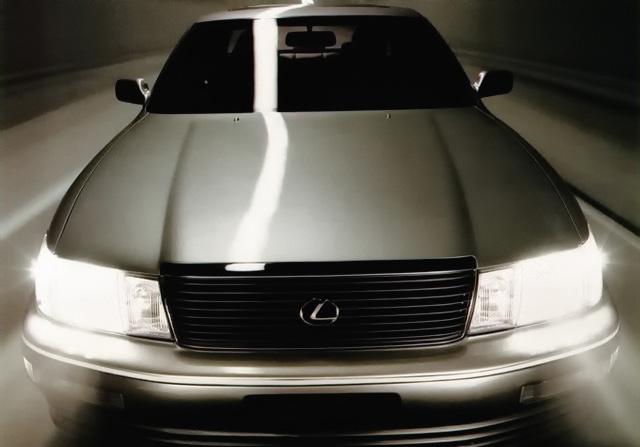 Снимки: Lexus LS 1