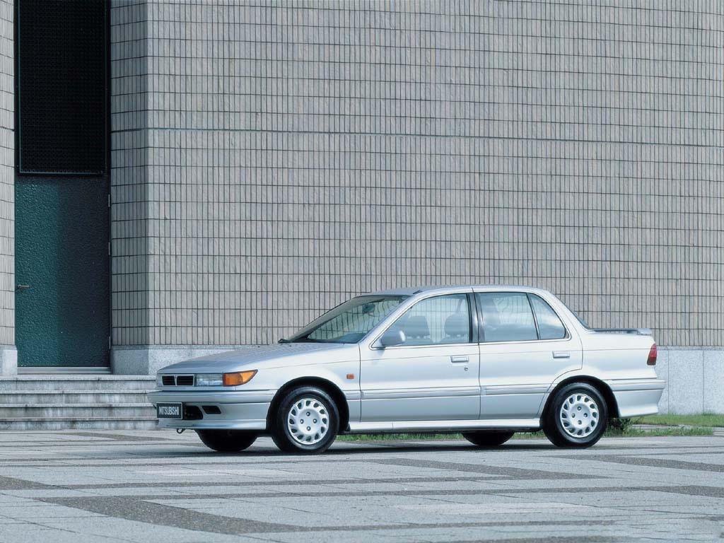 Снимки: Mitsubishi Lancer VI