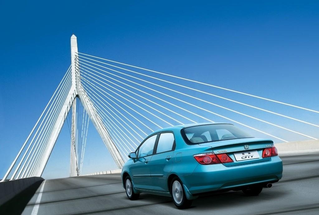 Снимки: Honda City ZX Sedan