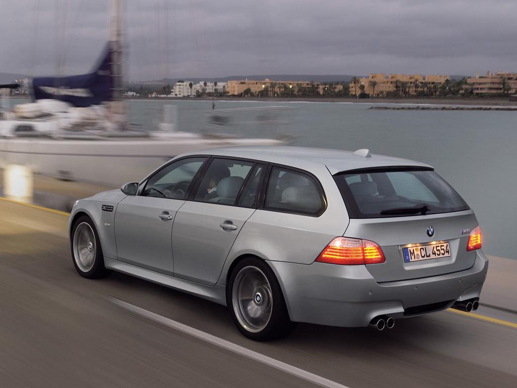 Снимки: Bmw M5 Touring (E61)