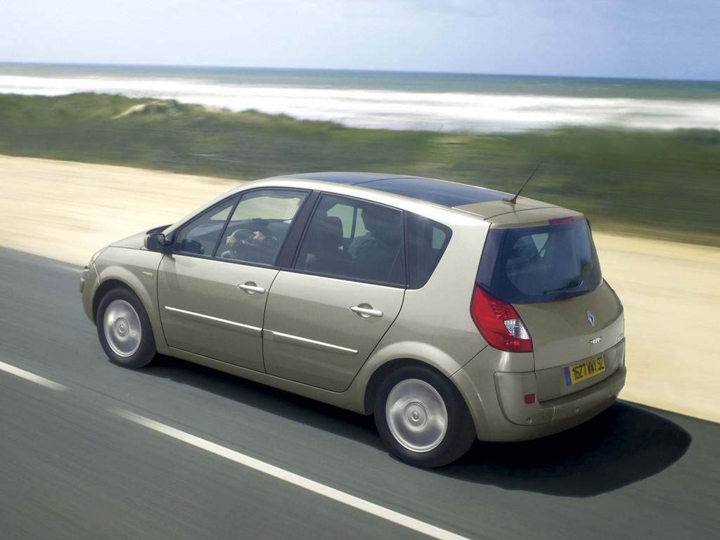 Снимки: Renault Grand Scenic