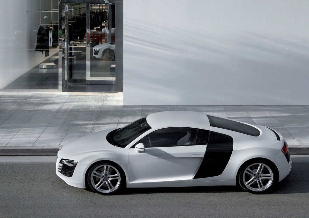 Снимки: Audi R8 Coupe