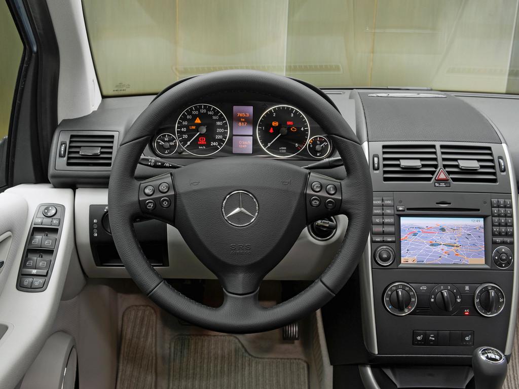 Снимки: Mercedes-benz A-klasse 5-doors (169)