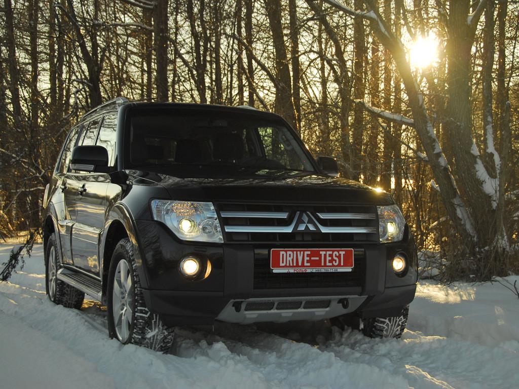 Снимки: Mitsubishi Pajero IV