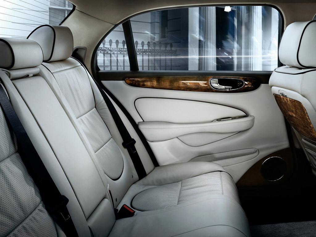 Снимки: Jaguar XJ (X300/NAW/NAB)
