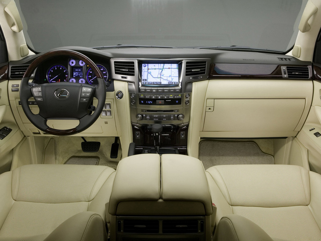 Снимки: Lexus LX 3