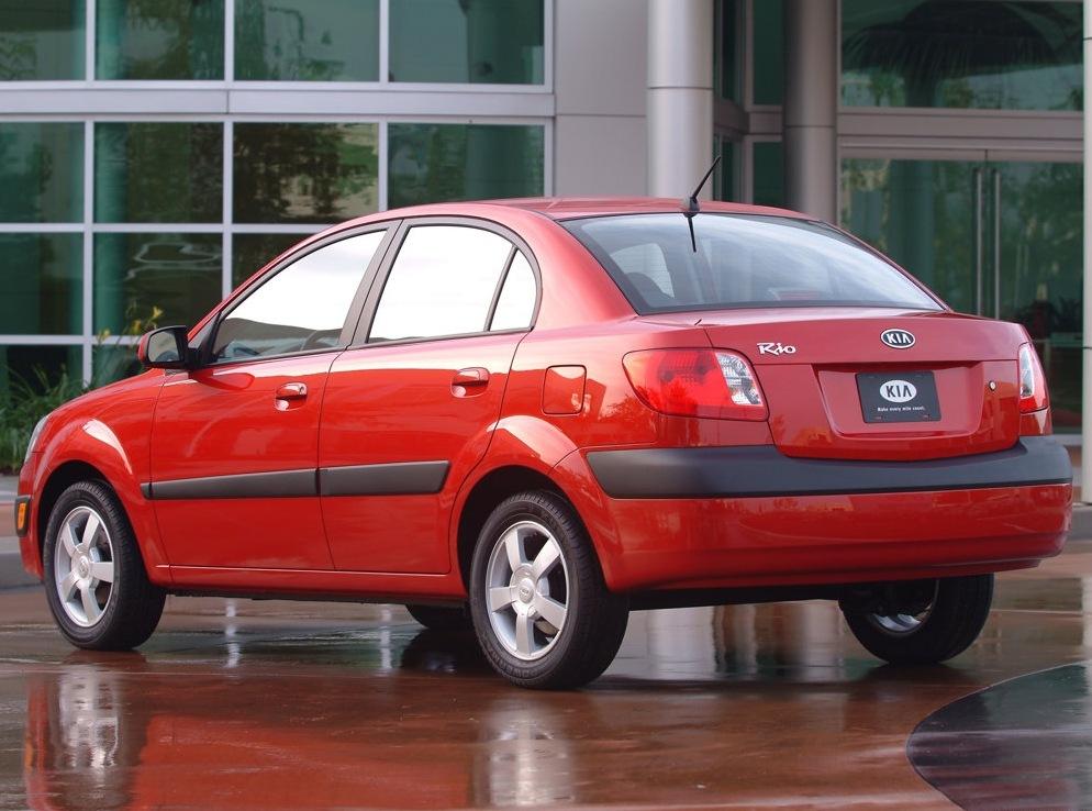 Снимки: Kia Rio 2 Sedan