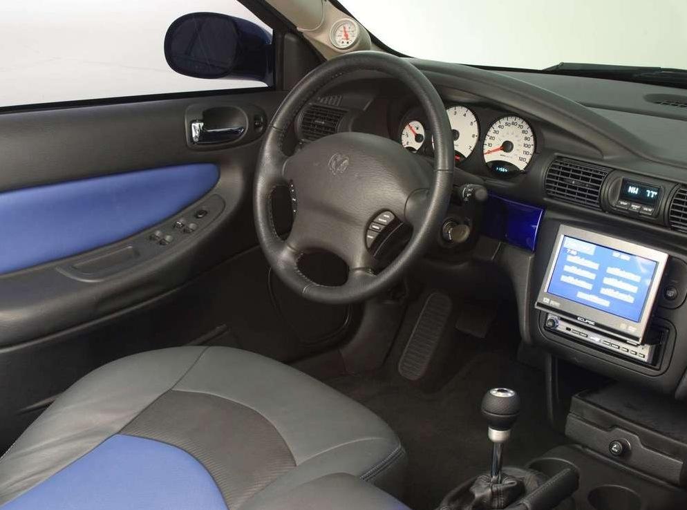 Снимки: Dodge Stratus II