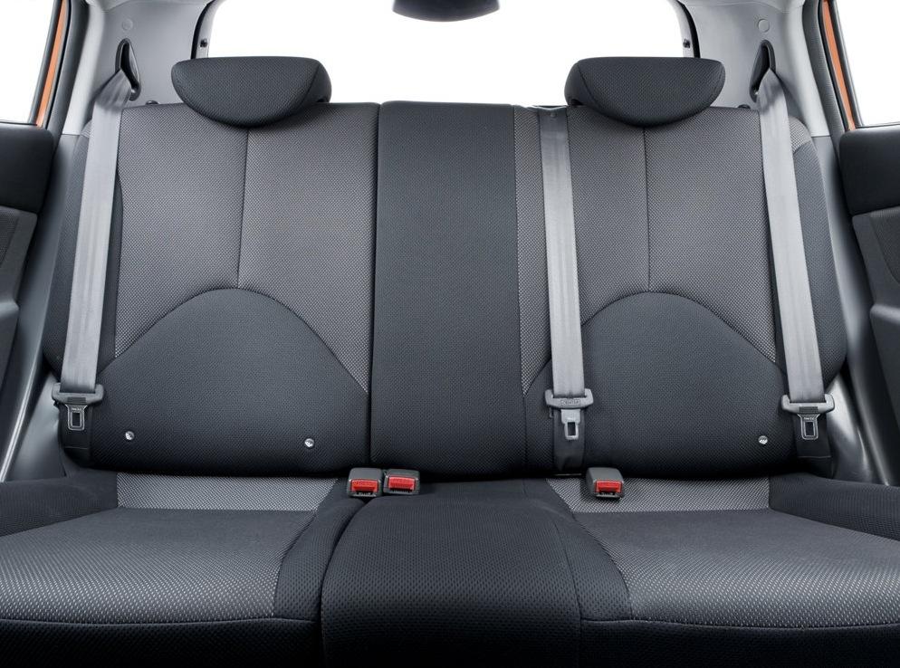 Снимки: Kia Rio 2 Hatchback