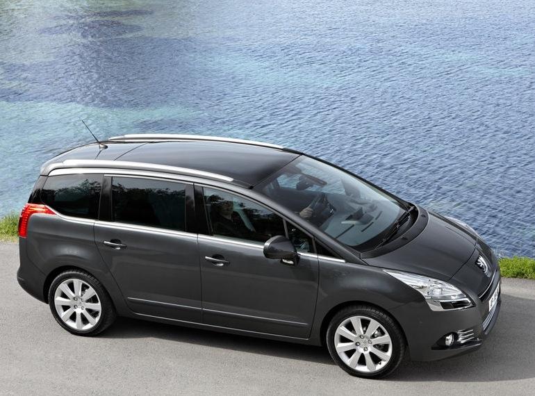 Снимки: Peugeot 5008