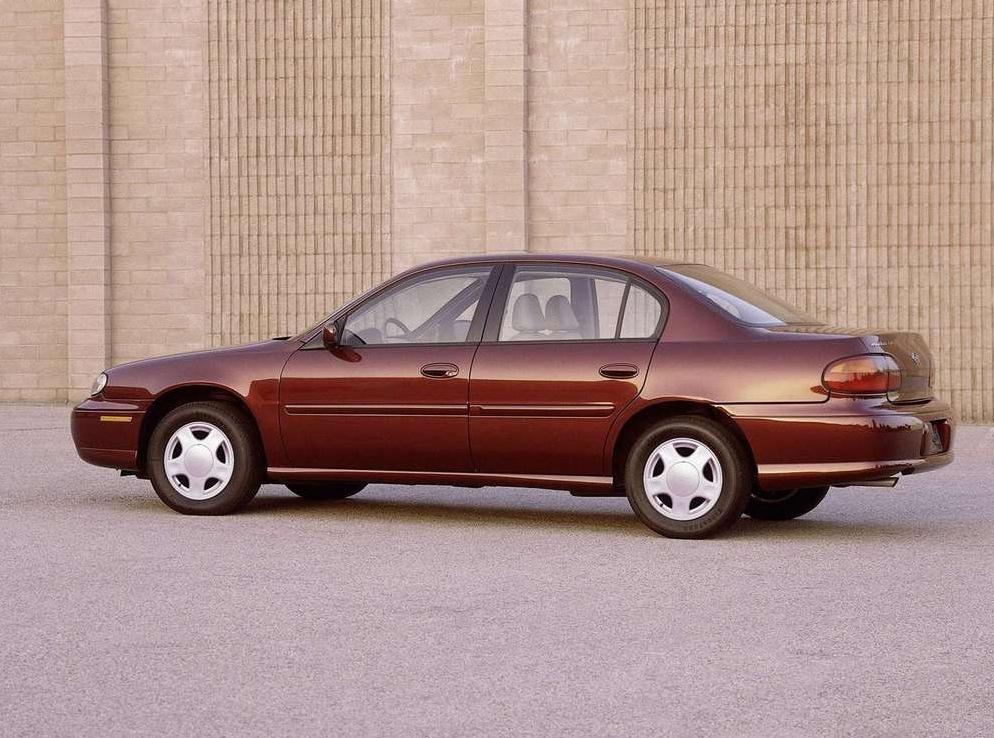 Снимки: Chevrolet Malibu IV (GM90)