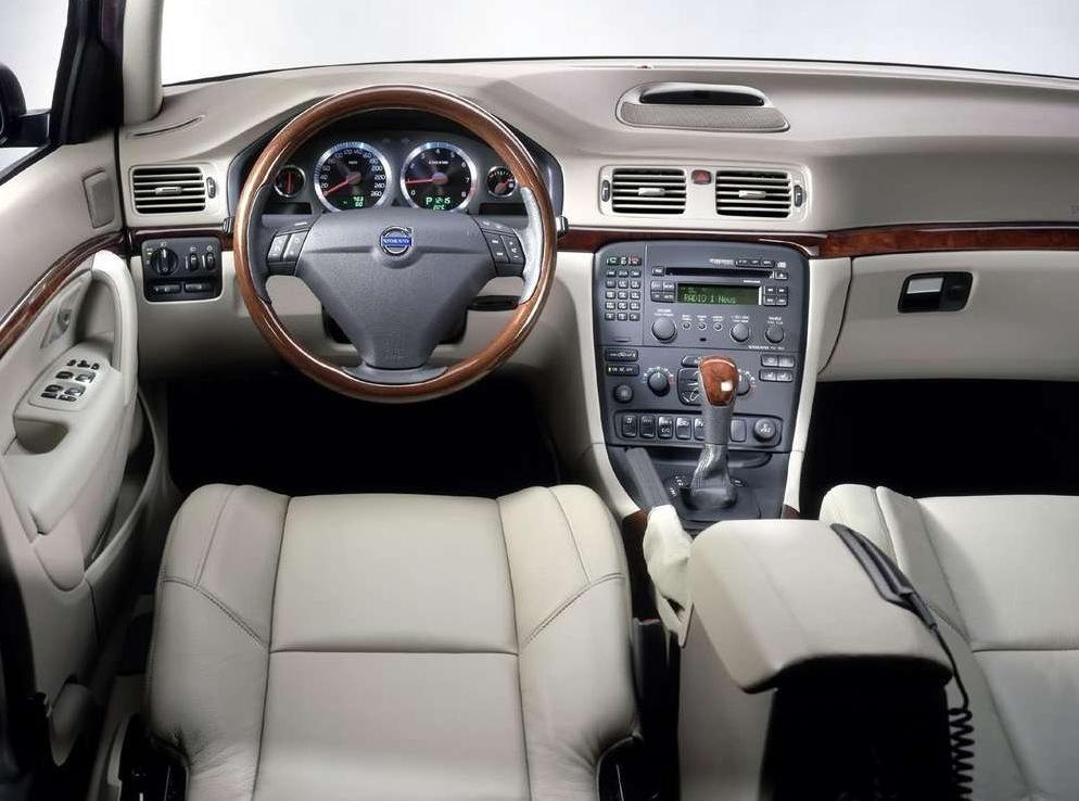 Снимки: Volvo S80