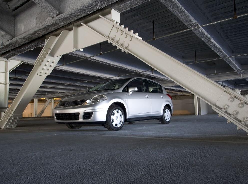 Снимки: Nissan Versa