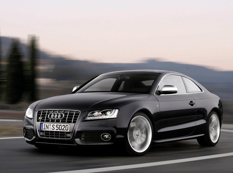 Снимки: Audi S5