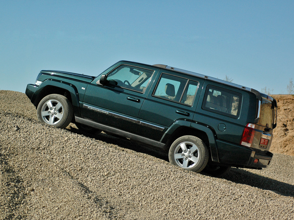 Снимки: Jeep Commander