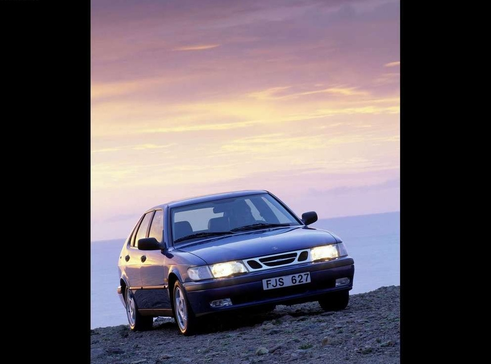 Снимки: Saab 9-3