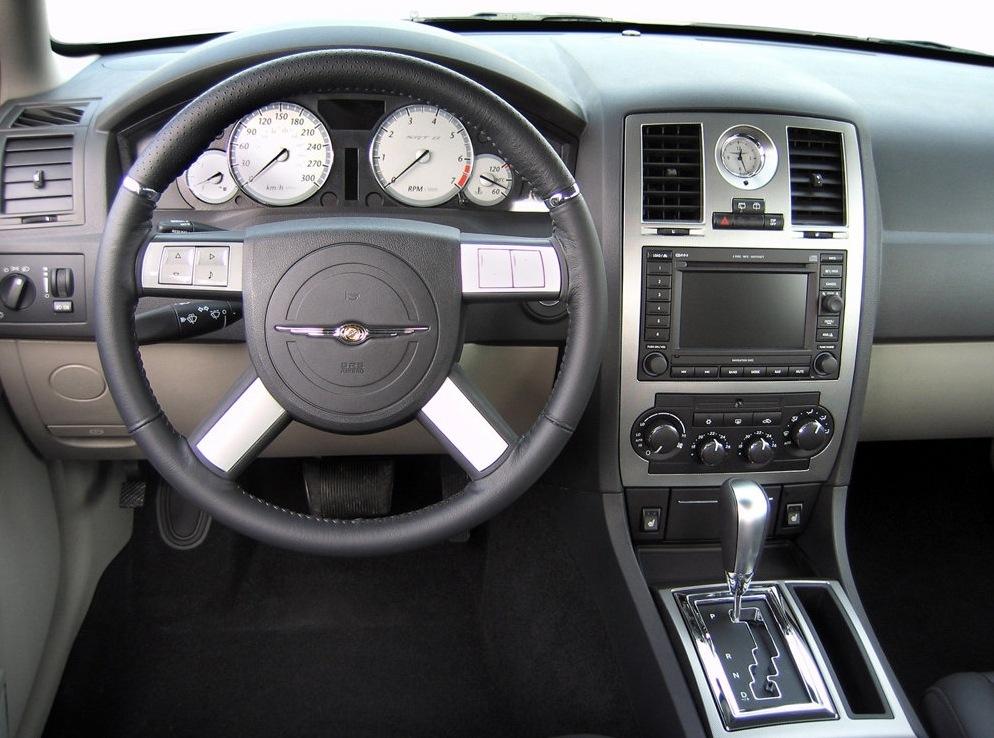 Снимки: Chrysler 300C Touring