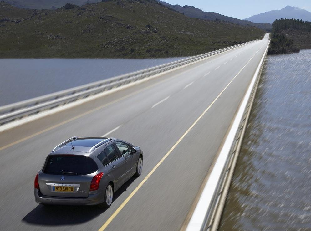 Снимки: Peugeot 308 SW