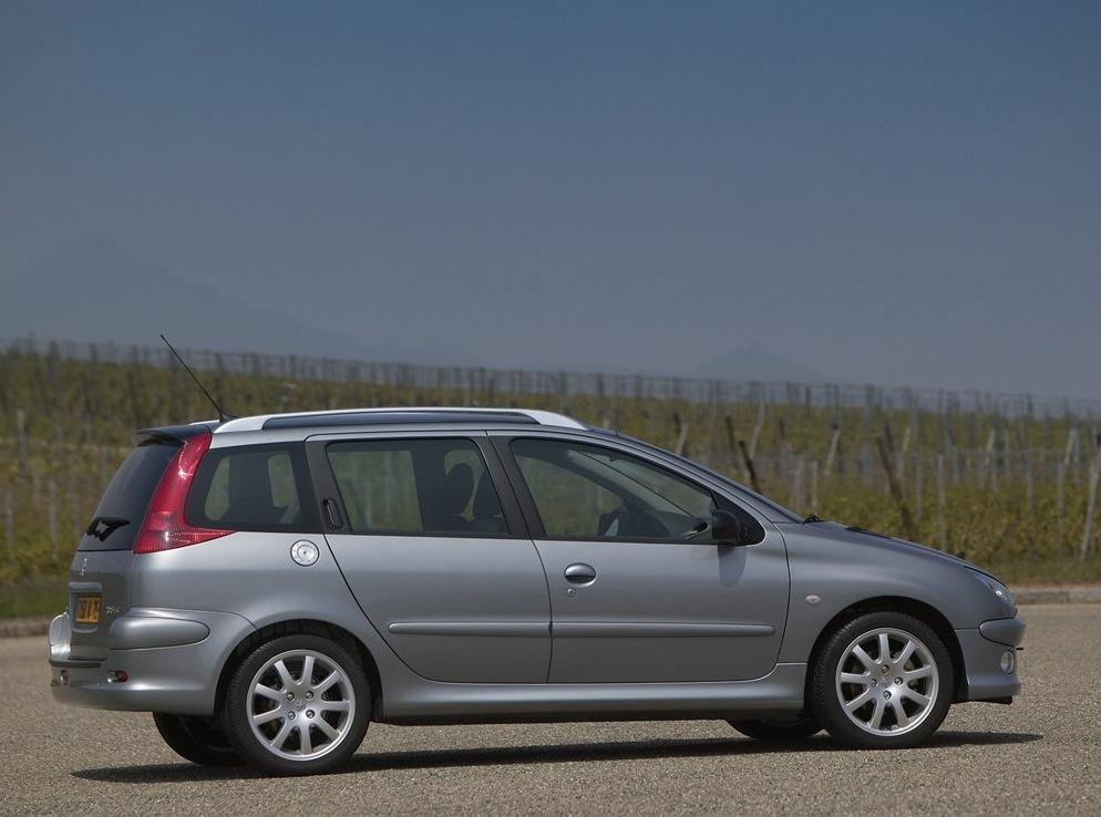 Снимки: Peugeot 206 SW