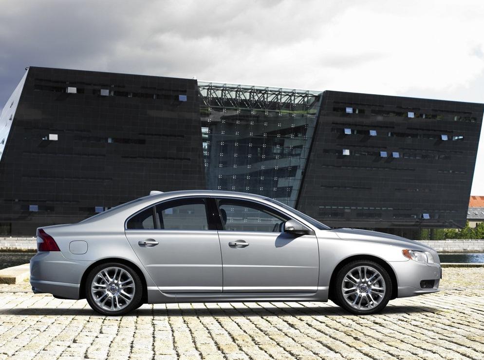 Снимки: Volvo S80 II