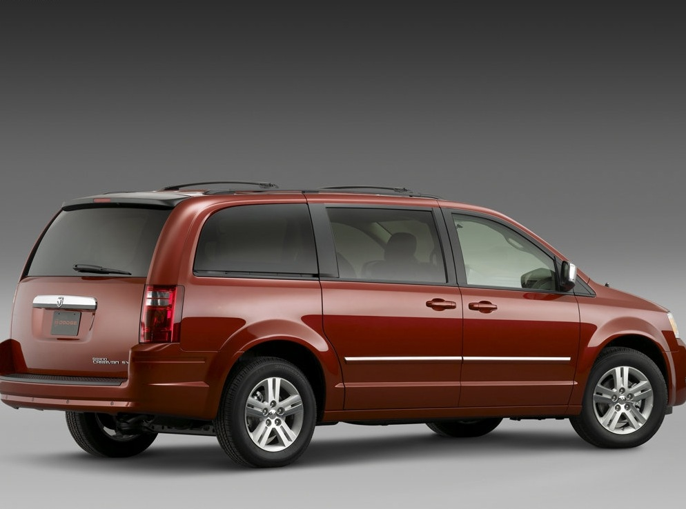 Снимки: Dodge Grand Caravan V
