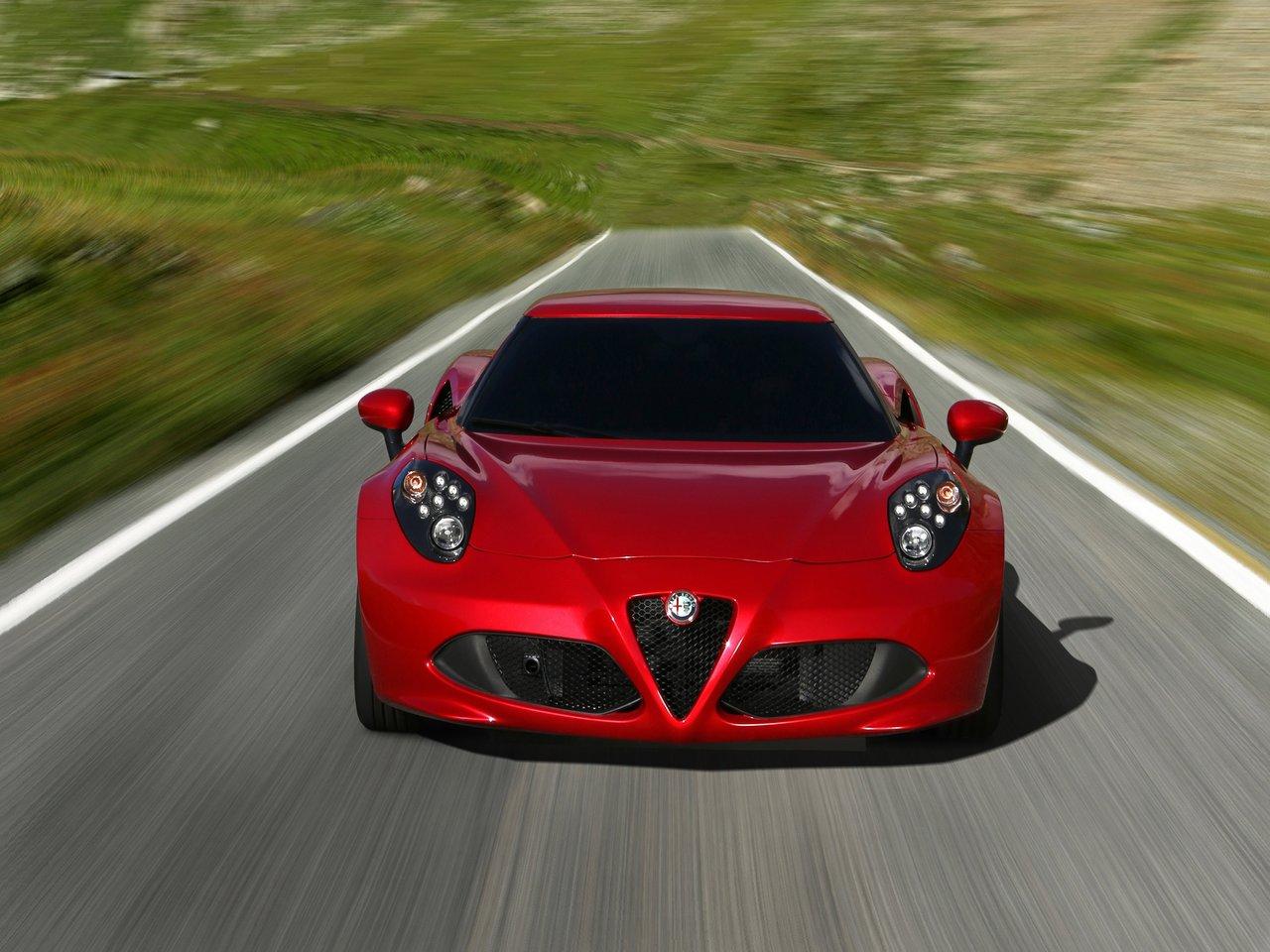 Снимки: Alfa romeo 4C